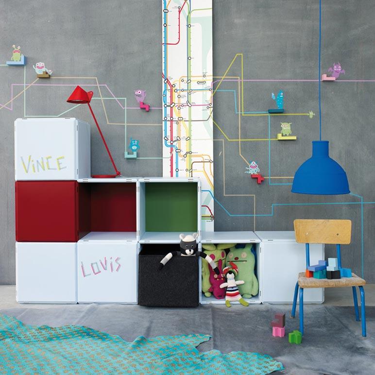 Kinderzimmer Regale bunt