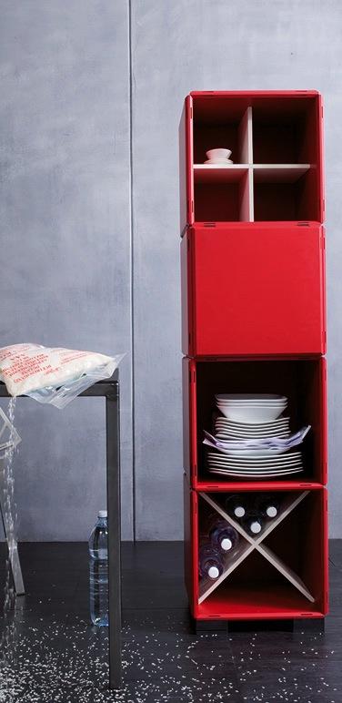 Küchenregal in rot mit Aufbewahrung