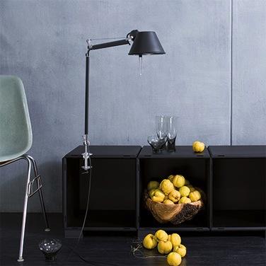 Sideboard in schwarz mit Regalsockel