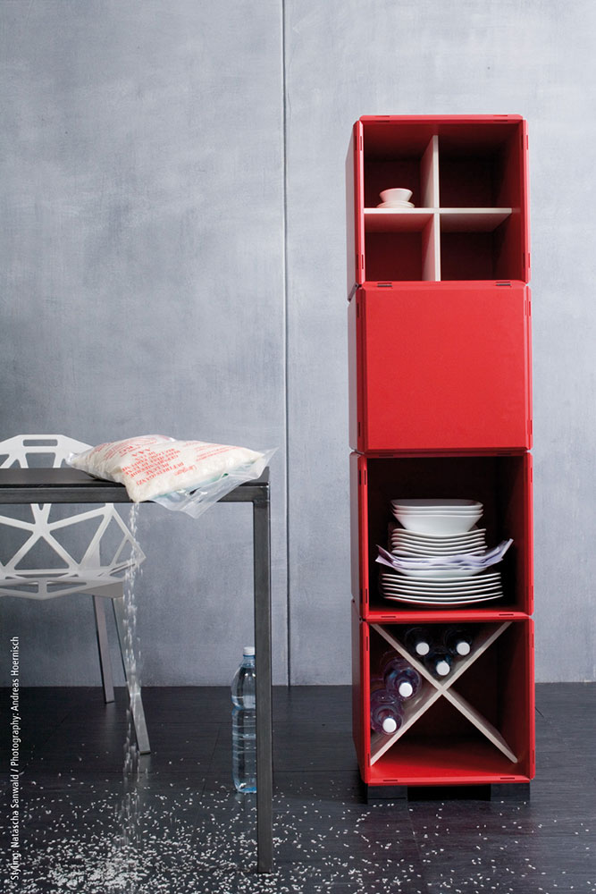 Schön Modular Shelving System In Red